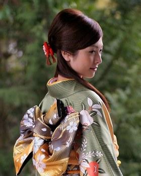 Définition + Histoire + Règles (Première partie) 148256_189750313_femme_kimono_h164624_l